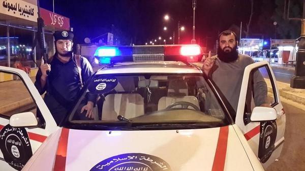 Voiture de police de l'Etat islamique
