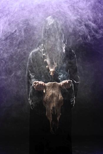Sorcellerie et satanisme suscitent craintes et fantasmes.
